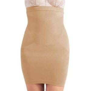 Slankedragt i nude - flad mave under kjolen